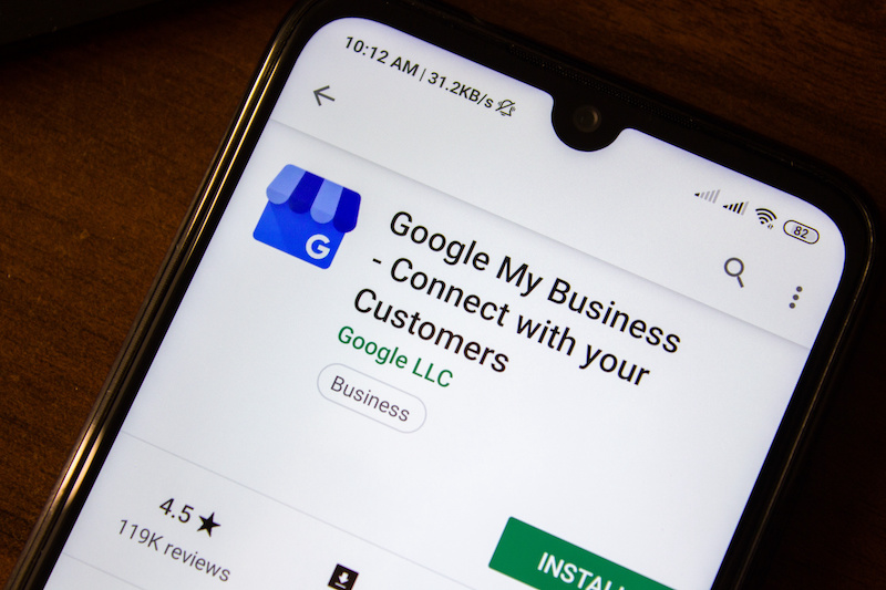 Connect with your Customers app on the display of smartphone or tablet